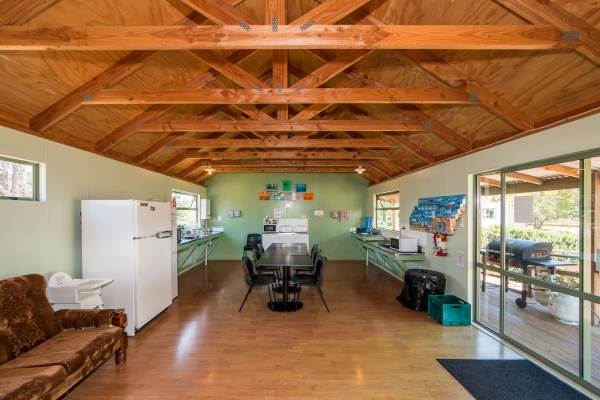 Martinborough TOP 10 Holiday Park Guest Kitchen